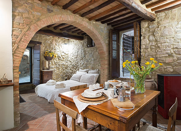 Romantic holiday apartment for two in Montalcino